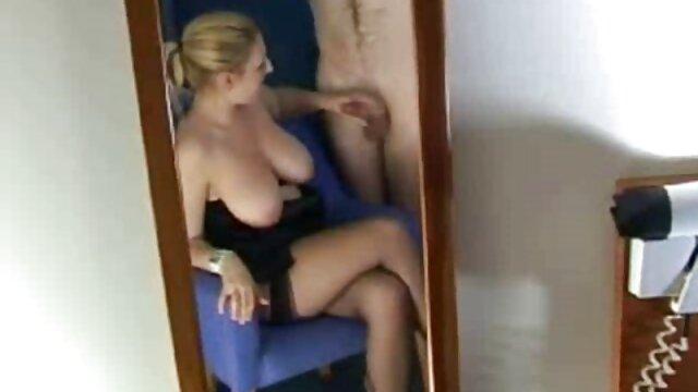 In der Fantasie trennte sich ein gruppen sex mit reifen frauen Mann von einem Mädchen